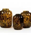 Vase ambre et tache noire