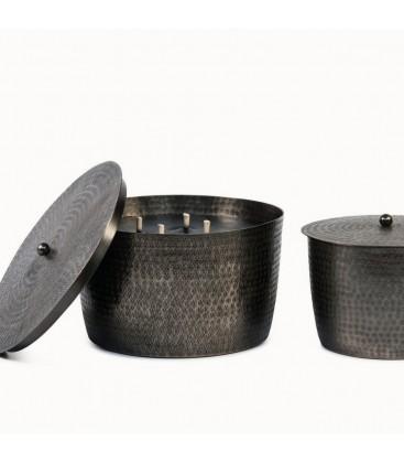 Bougie extérieure dans un contenant en métal