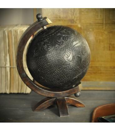 Globe cuir motifs baroques